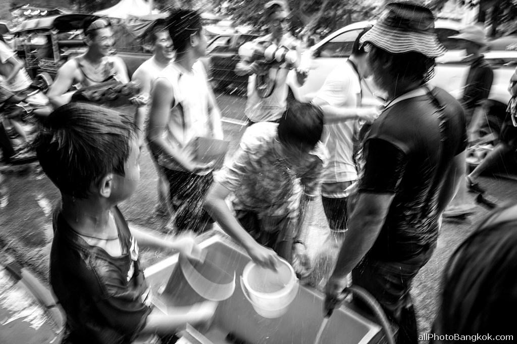 Songkran-Chiang-Mai-Thailand-2014-celebr